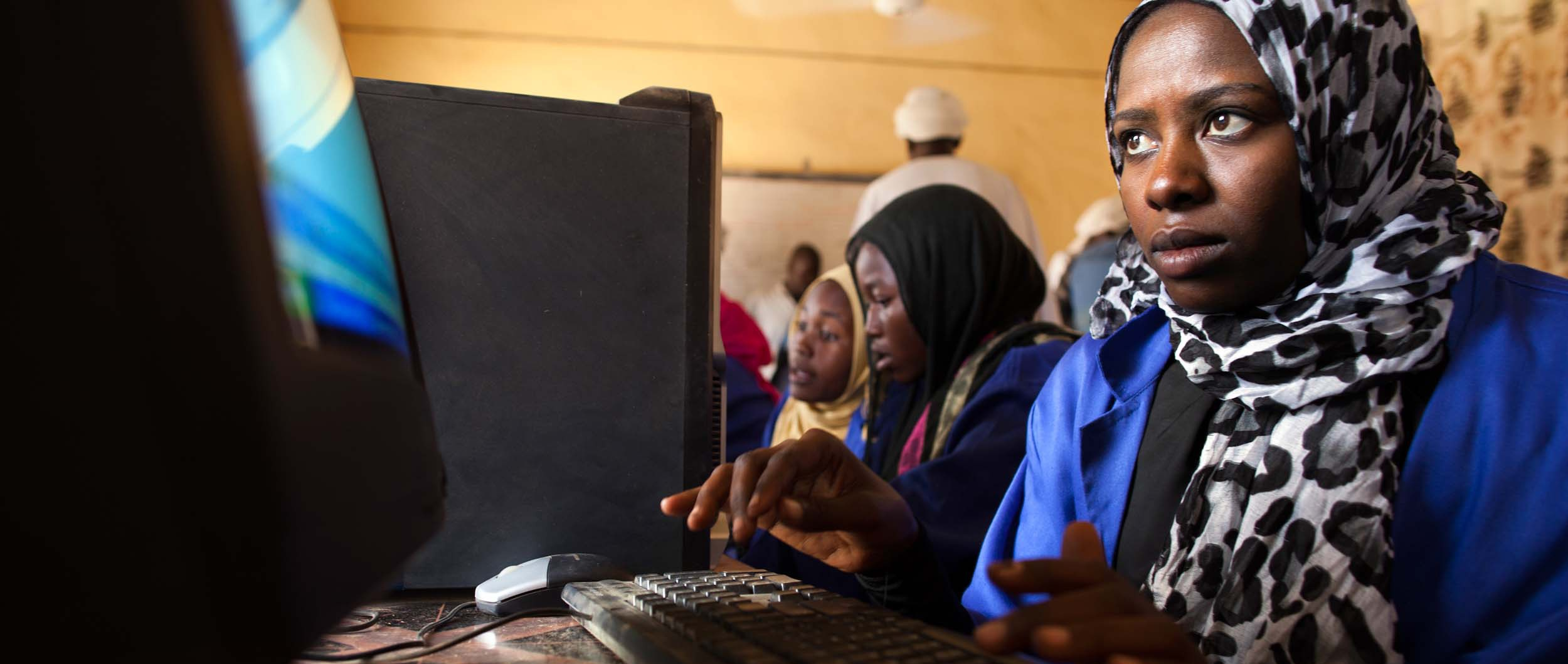 10 Great Ways the Internet is Empowering Women Around the World Thumbnail