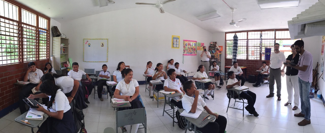 Conectando Lo Desconectando: La Historia de la Visita A Una Escuela Agua Azul, México Thumbnail