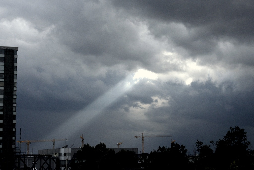 A Ray of Light Shines on Internet Rights Thumbnail