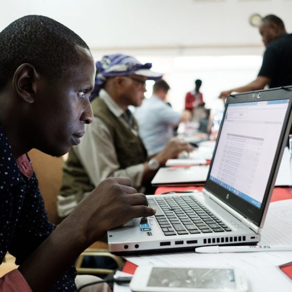 Hackathon at Africa Internet Summit Focuses on Time, Vehicular Communications, and Network Programmability