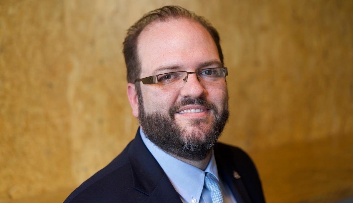 Annonce de nomination de Joseph Hall au poste de vice-président directeur pour un Internet fort Thumbnail