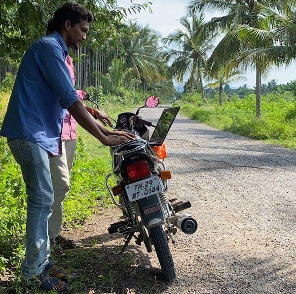 La communauté lambada du Tamil Nadu désormais connectée à l'Internet Thumbnail